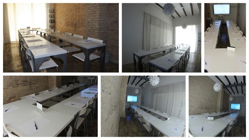 Coworking Valencia. Sala de reuniones. Disposición mesa en U